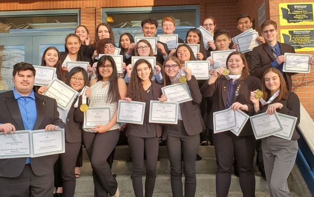 Marysville Getchell FBLA Cleans Up