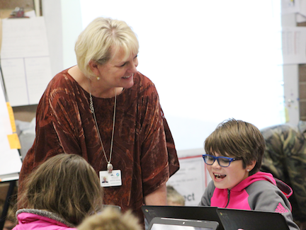 Photo of Dr. Berg at Pinewood Elementary